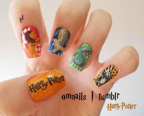 Harry Potter.   29 Examples Of Marvellously Geeky Nail Art