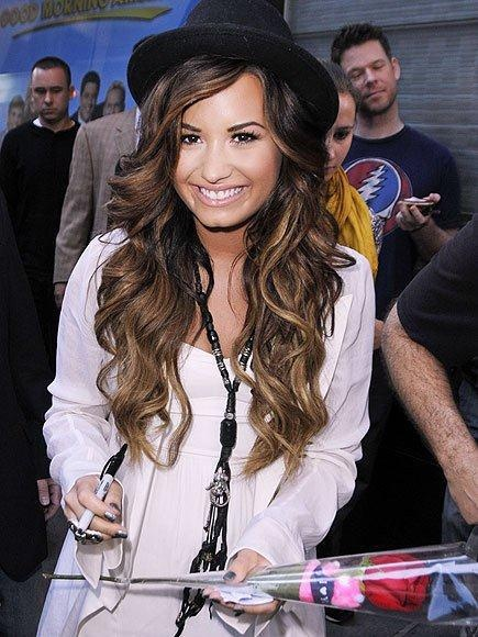 Demi Lovato & her Great Lengths Hair Extension (www.greatlengths.pl)