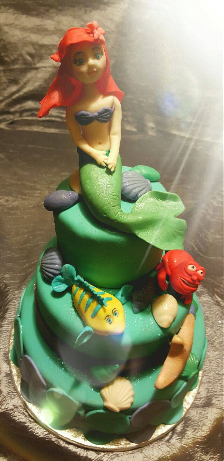 Little Mermaid cake with Flounder and Sebastian