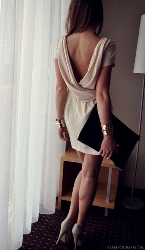 Amo los vestidos con espalda descubierta!