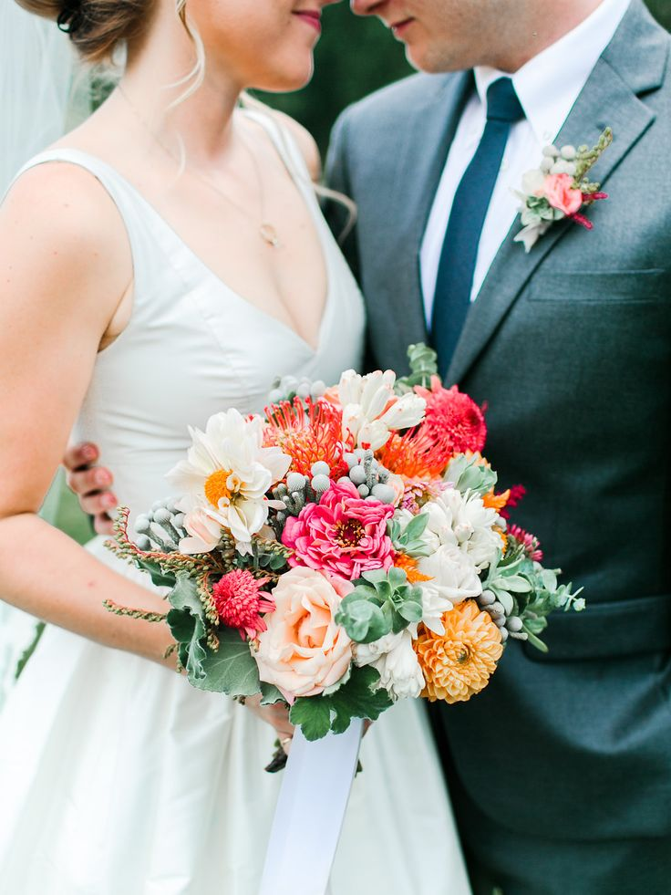 Rachel May Photography Riverside on the Potomac Petals and Hedges florals