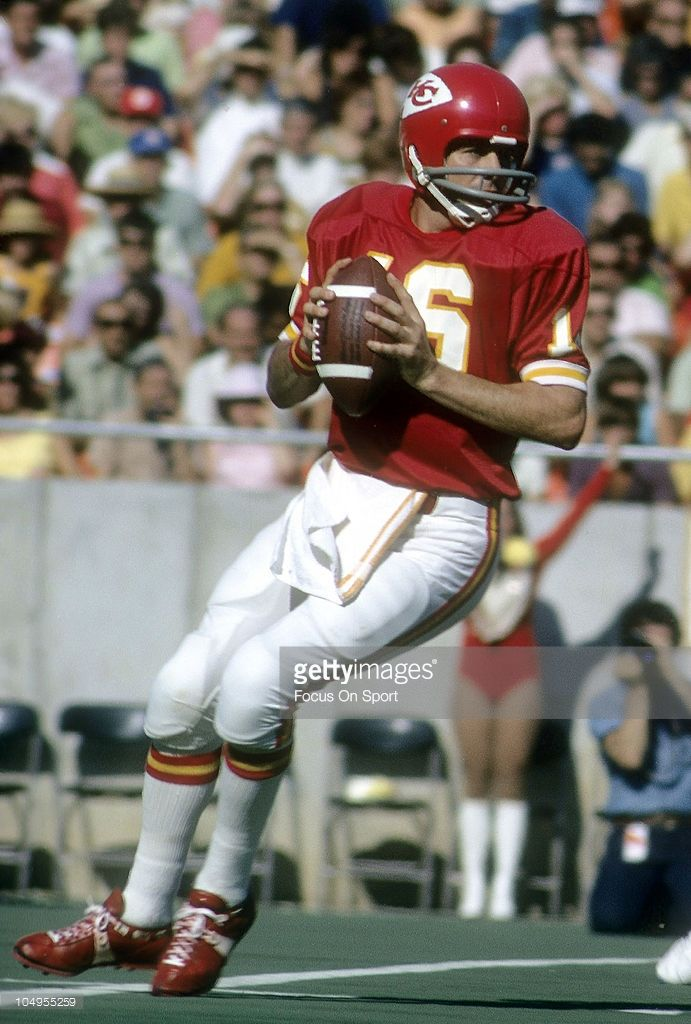 Quarterback Len Dawson #16 of the Kansas City Chiefs 1973  .Dawson played for the Chiefs from 1963-75.