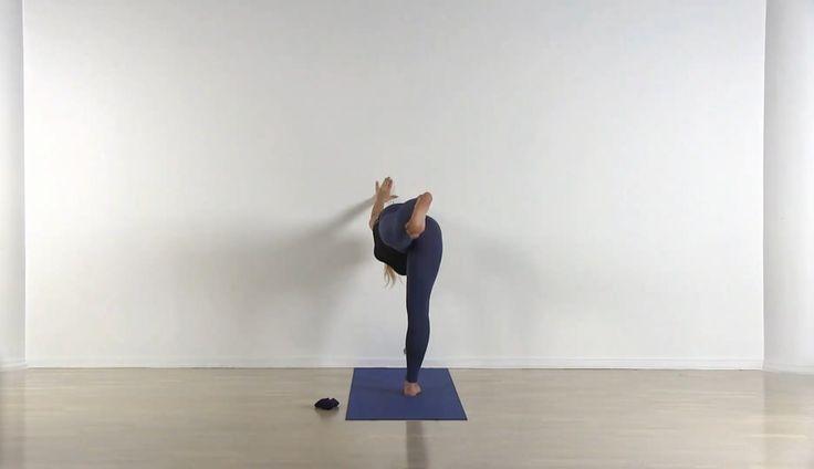 Татьяна Голдман http://goldman-yoga.ru  Человек становится эффективнее, если он практикует и через какое-то время перестает индульгировать - уже хорошо. Это высвобождает огромное количество энергии. Если вы способны жить настоящим - хорошо. Нужно просто быть, тогда с вами будут происходить самые великие в вашей жизни и удивительные вещи. Уроки: http://dayoga.ru/teachers/tatyana_goldman