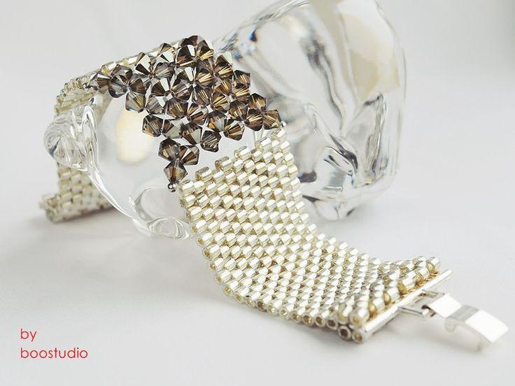 Urocza i elegancka bransoleta wypleciona splotem peyote z najwyższej jakości…