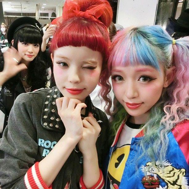 japanese model ayumi seto and chinese model eva cheung. yura behind. this photo is just *-*