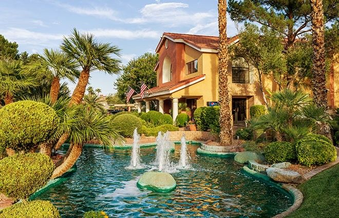 Combine the excitement of Las Vegas with the relaxation of a tropical hideaway at the beautiful Westgate Flamingo Bay Resort, just 3 miles from Vegas strip.