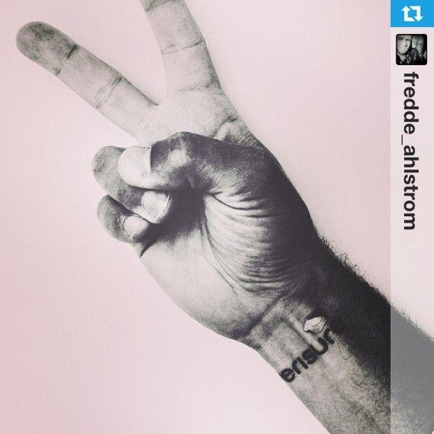 ¡Hazte fan de Verisure!   Instagram: @verisure_spain @AlarmasVerisure  #fanofverisure www.verisure.es