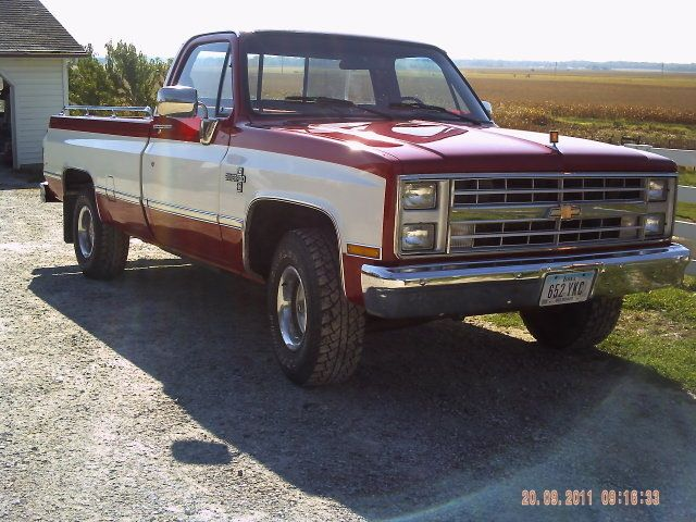 1987 Chevy Silverado    Price:  $6,400.00  Year:  1987  Engine:  Chevy 350  VIN:  1GCER14KOHF403417  Miles:  89,984  Location:  Iowa  Contact:  Jay Trevorrow: 973-886-3020