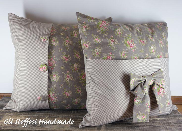 Eccomi al termine di questo progetto per Ale con la realizzazione di questi cuscini…mi servivano dei tessuti che riprendessero il colore del divano e allo stesso tempo fossero shabby…co…