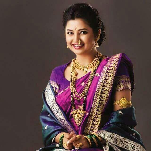 Hindu Bridal Hairstyles 14 Safe Hairdos For The Modern: 44 Best Nauvari Saree Images On Pinterest