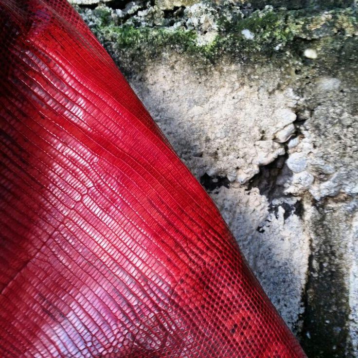 Red lizard varan handmade style leather