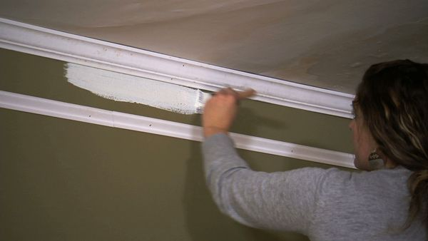 Photos: DIY Faux Crown Molding | Knock It Off! | The Live Well Network                                                                                                                                                                                 More