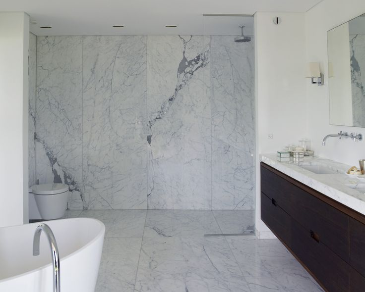 Karin Meyn | Natural stone bathroom, Piet Boon Design (styling by Karin Meyn)