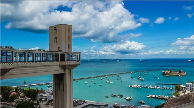 Principal ponto turístico de Salvador, o Lacerda já foi o elevador mais alto do mundo