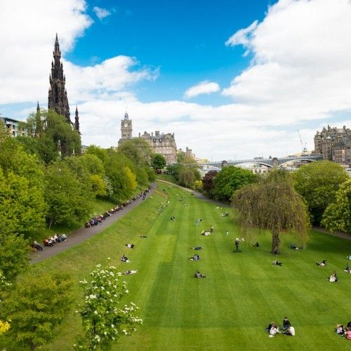 Wellness Guide of Edinburgh with ideas for wellness and adventure activities, nature, sports and the best spa hotels & resorts!
