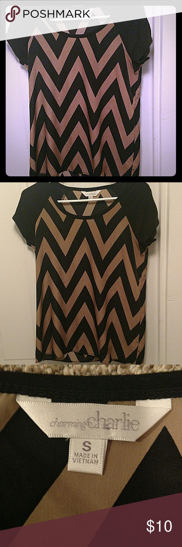Chevron top Adorable Chevron blouse. Perfect condition Charming Charlie Tops