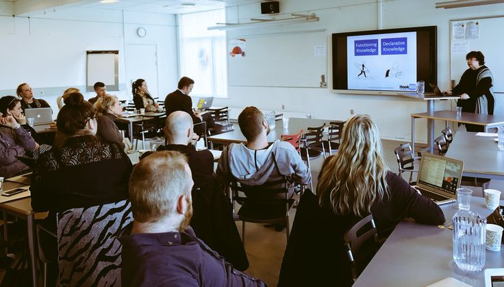 """Kirsten Haase on Twitter: """"Learning about #SOLOTaxonomy from the best @arti_choke opportunity for differentiation, student voice on learning #metacognition @gladsaxe https://t.co/mdOHoCI1BQ"""""""