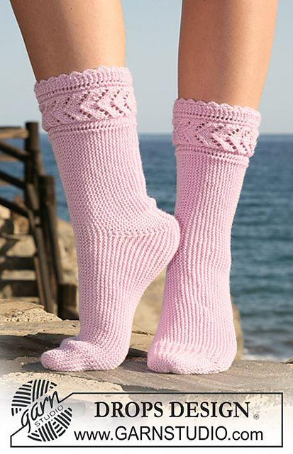 Free knit pattern. So pretty