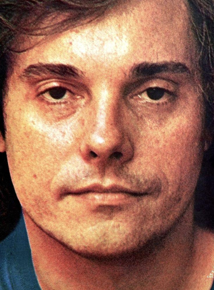 Francis Hime.FOTO: Cafi   Fotografia para a capa e contracapa do álbum 'Passaredo',do ano de 1977.