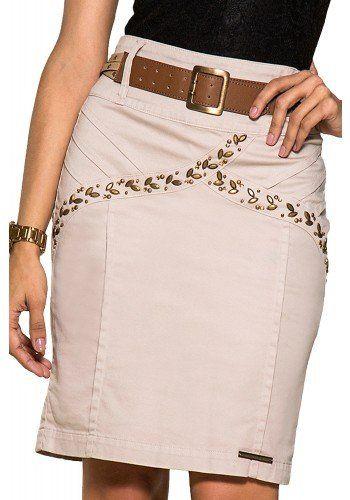 saia bege bordada pedrarias com cinto nitido jeans frente detalhe