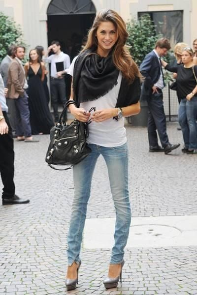 jeans with heels!