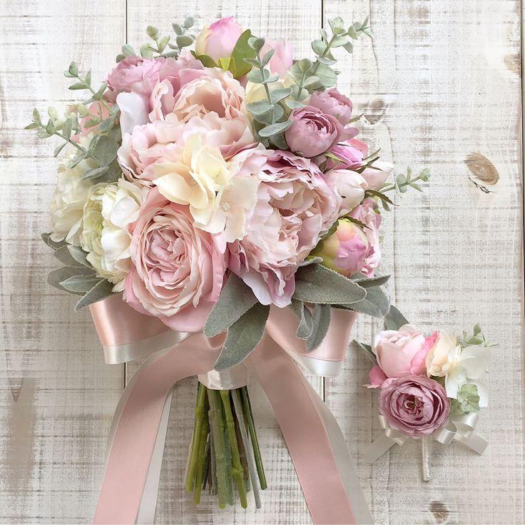 いいね!126件、コメント7件 ― Les favorisさん(@lesfavoris_wedding)のInstagramアカウント: 「Bouquet for bride! 淡いピンクのシャクヤクがメインのクラッチブーケ。WDと淡いミントグリーンのドレスに合わせてお持ちになるそうです。溶け込むような柔らかな色合いで。…」