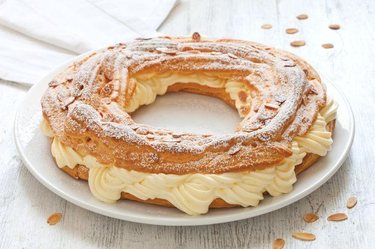 Scopri la storia e la ricetta della Paris Brest, un celebre dolce francese estremamente soffice e goloso.