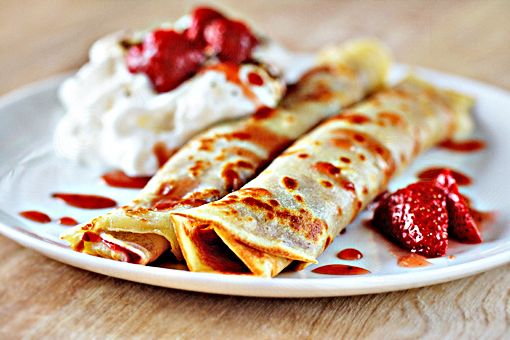 On special weekends, my mom used to make these...in our house they were called palachinkes (serbian crepes).
