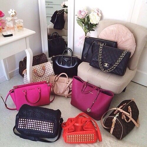 Image via We Heart It #bags #beautiful #chanel #girl #life #LouisVuitton #luxury #MichaelKors #Prada