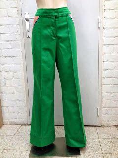 Het patroon: De Peggy broek, te vinden: in Vintage er retro naaipatronen op facebook, binnekort te vindnen op Etsy, uitvoering: Mamuska Sew, stof: gabardine