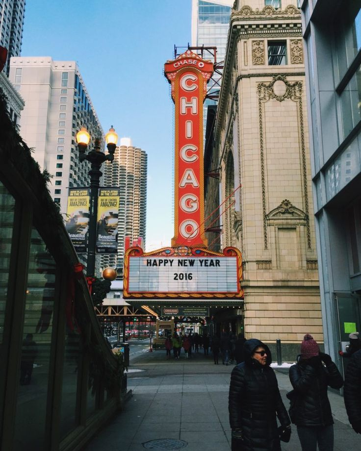 Chicago Travel Tips from a Local - where to go, what to eat, what to see!