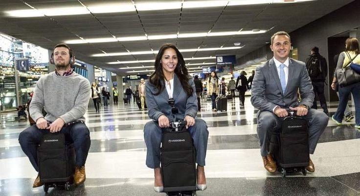 La maleta con motor existe y empezará a venderse en 2017. Es eléctrica, se carga en cuestión de minutos y tiene medidas de equipaje de mano para llevar dentro de la cabina del avión.