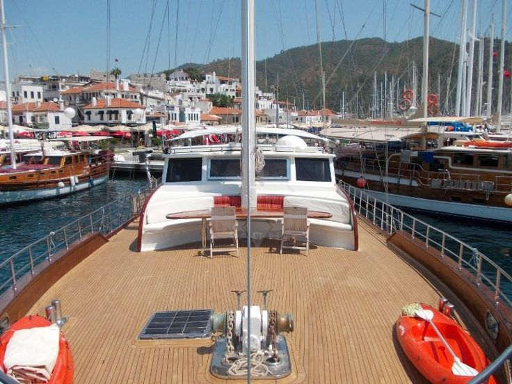 BERRAK SU | CNL Yacht