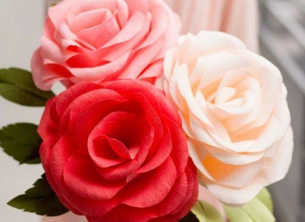 les 25 meilleures idées de la catégorie roses en papier crépon sur