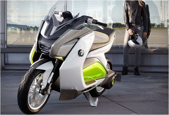 The e-Scooter designed by BMW, stands out for its innovative design, it has no mirrors, and is equipped with two cameras by the rear lights that tell the rider about what goes on in the back, through information available on two LCD screens. The BMW e-scooter has a range of 60 miles and a performance equivalent to a convencional motor scooter of 400-500cc. The scooter can be charged in less than 3 hours through a conventional socket.