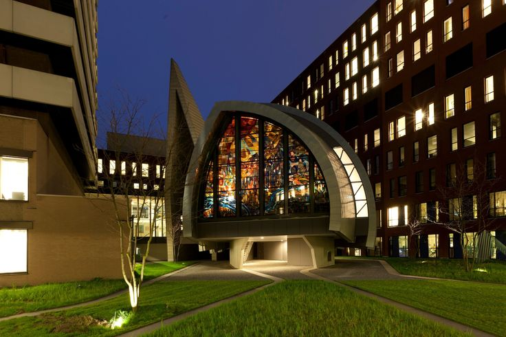 Marius de Leeuw: The Creation of the Earth and The Old and New Jerusalem, 1965, stained glass, the Chapel of the Jeroen Bosch Hospital in 's-Hertogenbosch.