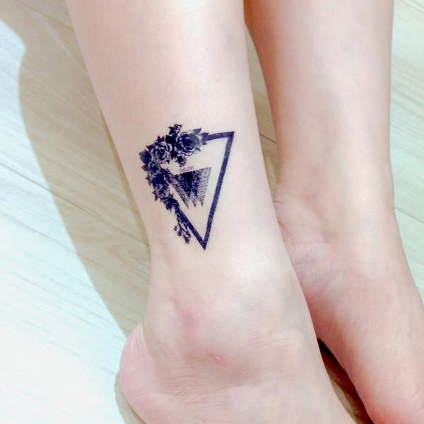 Top 25 best triangle tattoos ideas on pinterest for Non ducor duco tattoos designs