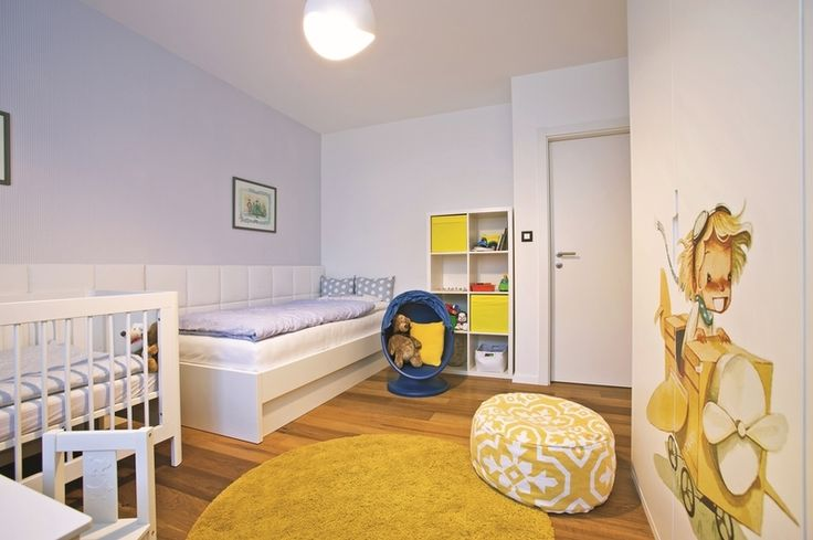 Detská izba je prispôsobená svetlu a momentálnym potrebám dvoch malých chlapcov.