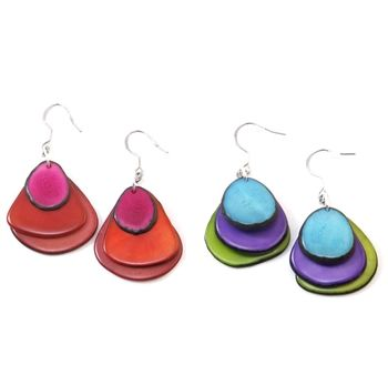 Made from tagua seeds from the rain forests of Ecuador, Colombia, and Brazil, these earrings make for a great addition to any outfit! #tagua #earrings #jewelry