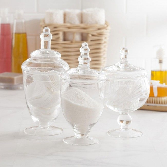 Clean and stylish, this Apothecary Jar Set can be used to store anything from cotton balls in the bathroom, to potpourri on your fireplace mantle. For a unique decor touch in the kitchen, try grouping all three jars filled with your favourite small fruit or candy!