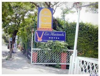 La Hacienda Hotel Trailer Park - On The Road In Mexico