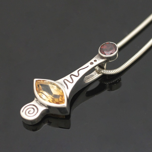 Pictures of Ray Tracey (Navajo) Timeless Memory Pendnat (Citrine & Garnett)