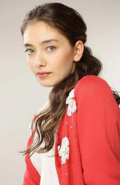 Turkish Actress, Neslihan Atagül .