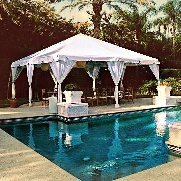 It's heating up in #la 🌞 #rent a tent ⛺️ keep your #summer party cool 😎 Vendor --> @vinispartyrentals • #linkinbio