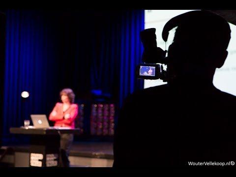 Magie van de media: Patti Valkenburg over het effect op kinderen (NWO Spinoza te Paard) - YouTube