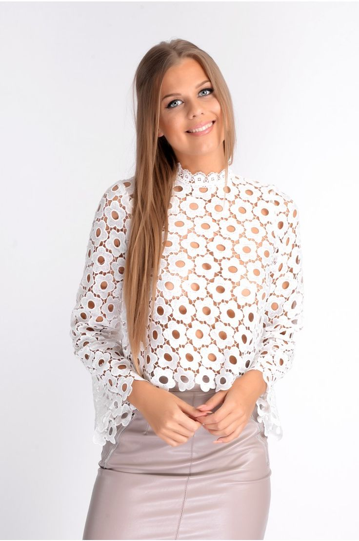 TRIXIE WHITE FLORAL CROCHET LONG SLEEVE. TOP. xx