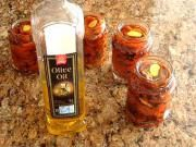 Sušené paradajky v oleji.