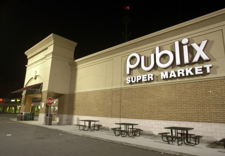 Publix offers benefits to same sex couples