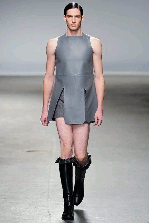 Ditto David.Ugly and Bloody stupid!! ~..J.W Anderson fall 2013 men's fashion