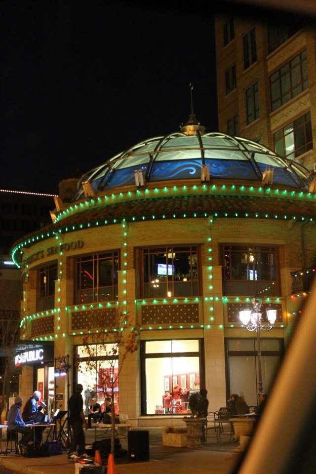 Kansas City Plaza Restaurants Open Christmas
